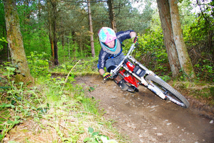 Afan Valley Afan Forest Cymmer Port Talbot Accommodation self catering apartment cottage pet friendly bikers walkers hikers holidays let bike storage pool table Glyncorrwg ponds bike park wales BPW Afan Argoed Cheap accommodation workers accommodation corporate accommodation relaxing holiday South Wales Visit Wales